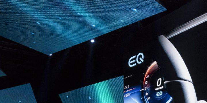 Mercedes-Benz-Dieter-Zetsche-präsentiert-den-neuen-EQ-Bild-2.jpg