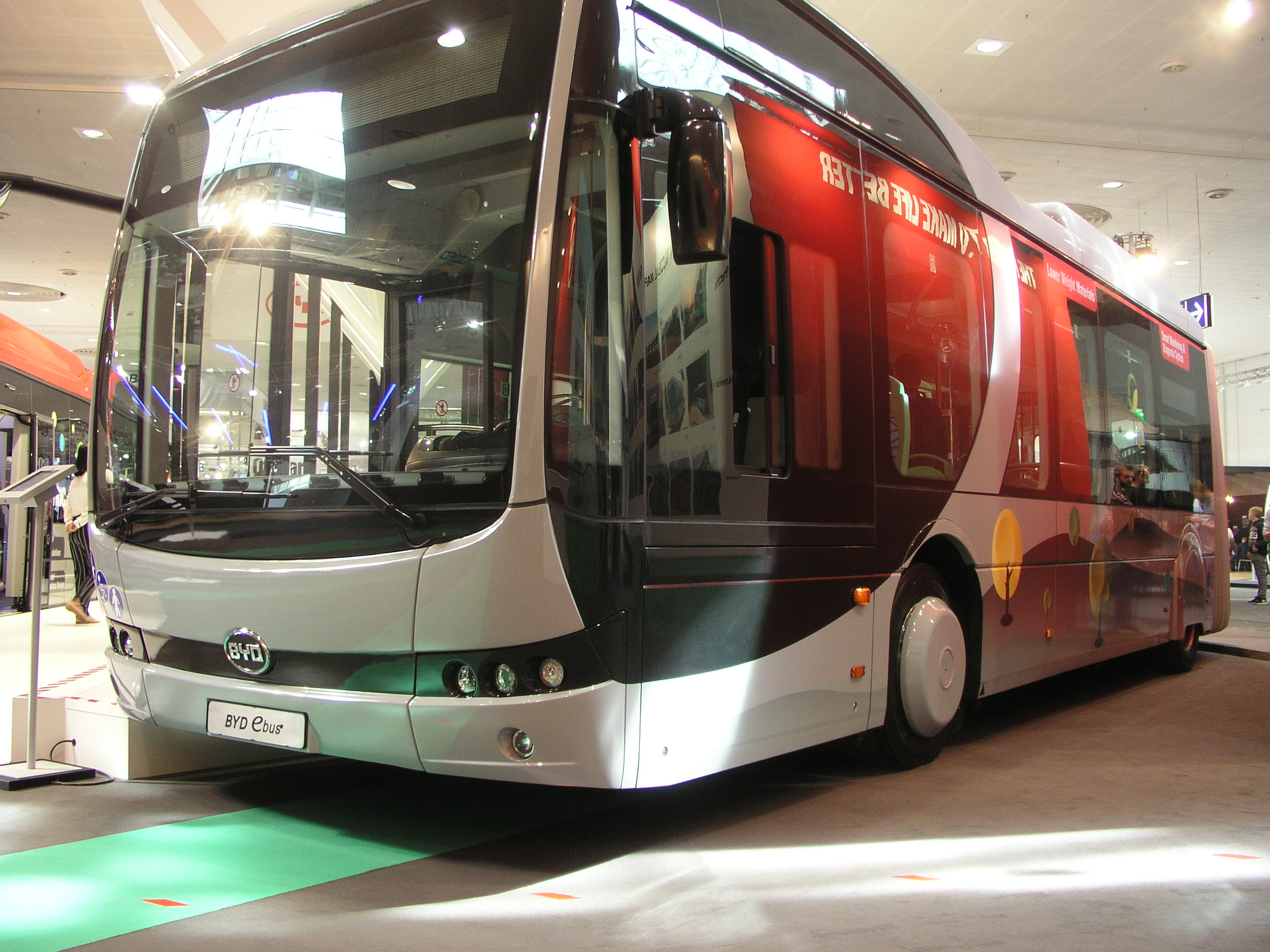 BYD-E-Busse-IAA-Hannover-2018-Foto-emoove-